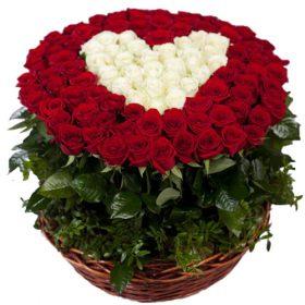 101 роза сердце в корзине фото