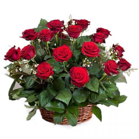 21 красная роза в корзине