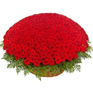 букет 1001 роза в корзине