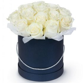 фото 21 белая роза в шляпной коробке