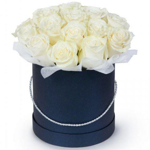 21 белая роза в шляпной коробке