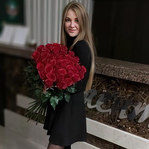 51 красная роза в Житомире фото вручения