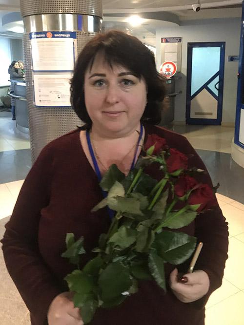 букет красных роз в Житомире фото