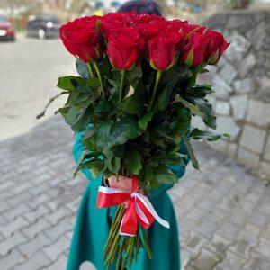 шикарный букет для любимой девушки - 15 красных импортный роз