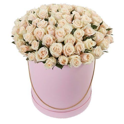 Фото товара 101 кремовая роза в шляпной коробке в Житомире