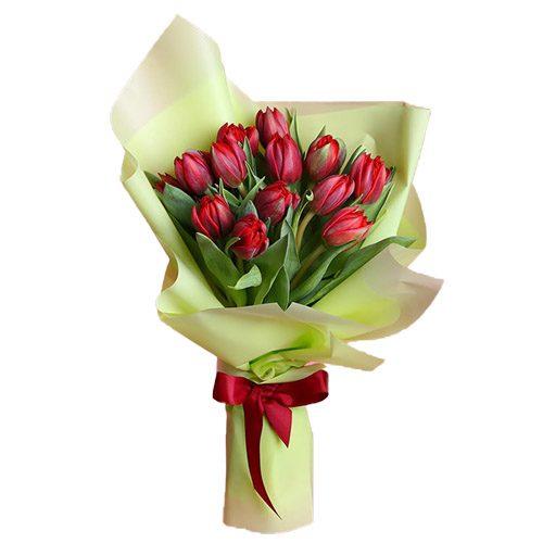 Фото товара 15 красных тюльпанов в зелёной упаковке в Житомире