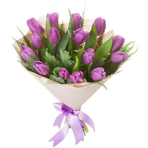 Фото товара 15 фиолетовых тюльпанов с декором в Житомире