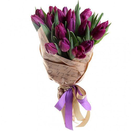 Фото товара 21 пурпурный тюльпан в крафт в Житомире