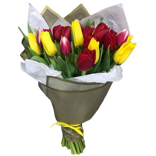 Фото товара 21 красно-жёлтый тюльпан в двойной упаковке в Житомире