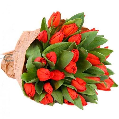 """Фото товара 35 красных тюльпанов в """"газете"""" в Житомире"""
