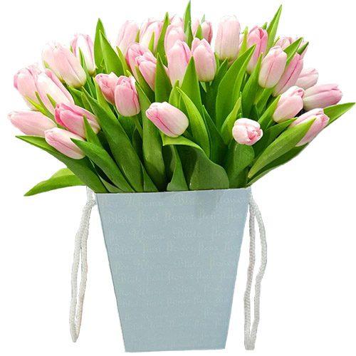 Фото товара 35 тюльпанов в квадратной коробке в Житомире