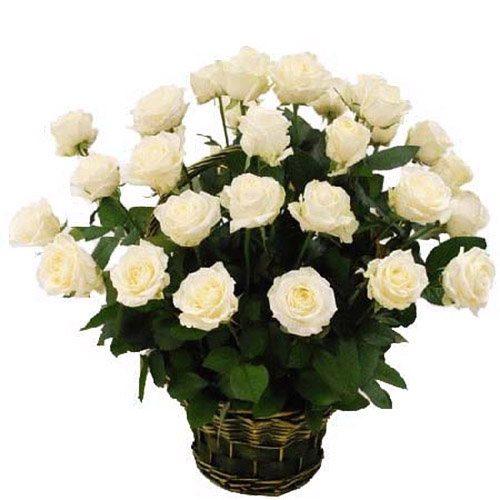Фото товара 35 белых роз в корзине в Житомире