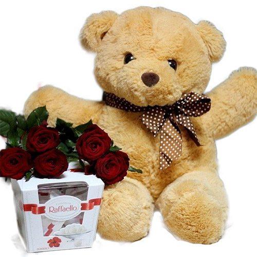 """Фото товара Мишка с букетом роз и """"Рафаэлло"""" в Житомире"""